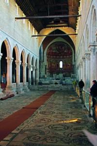 Die berühmten Fußbodenmosaike der Basilika von Aquileia